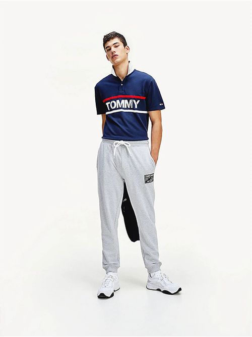 Joggers-de-algodon-y-corte-ajustado-con-etiqueta-negra-Tommy-Hilfiger