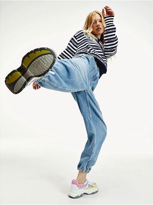 Jeans-con-bajos-y-cintura-elasticos-Tommy-Hilfiger