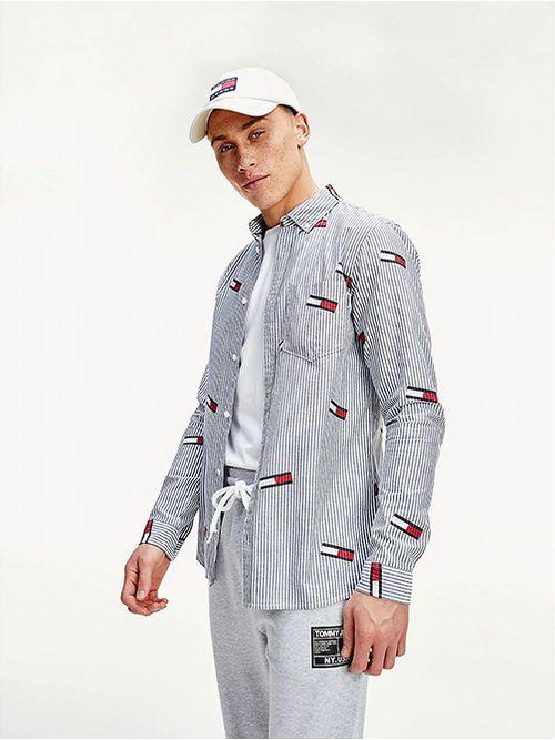 Camisa-con-estampado-de-logos-de-corte-slim