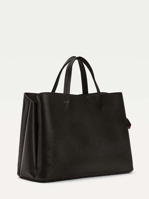 Bolso-satchel-con-lazada-distintiva