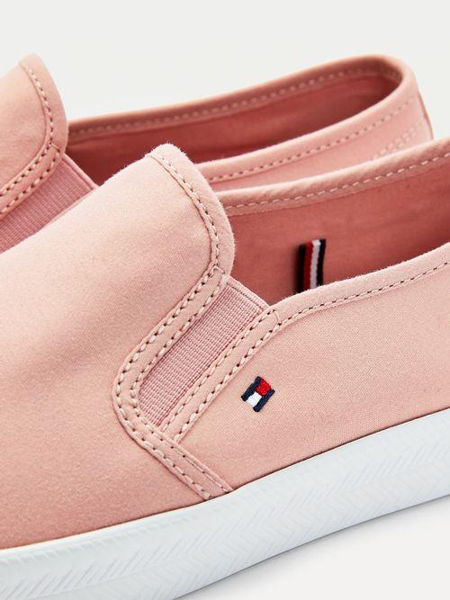 Zapatillas-Essential-de-estilo-nautico