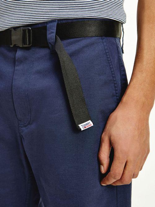 Pantalon-corto-recto-con-cinturon